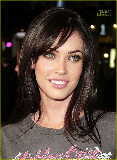 megan fox thumb toes. megan fox thumbs pictures.