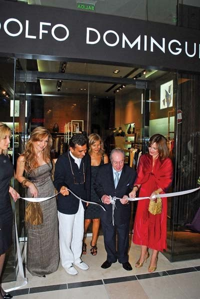 Publicity 21 adolfo dom nguez llega a dubai mall for Adolfo dominguez plaza americas xalapa