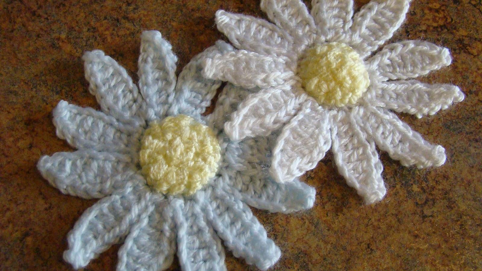 Crafts By Starlight: Crochet - Daisy Applique
