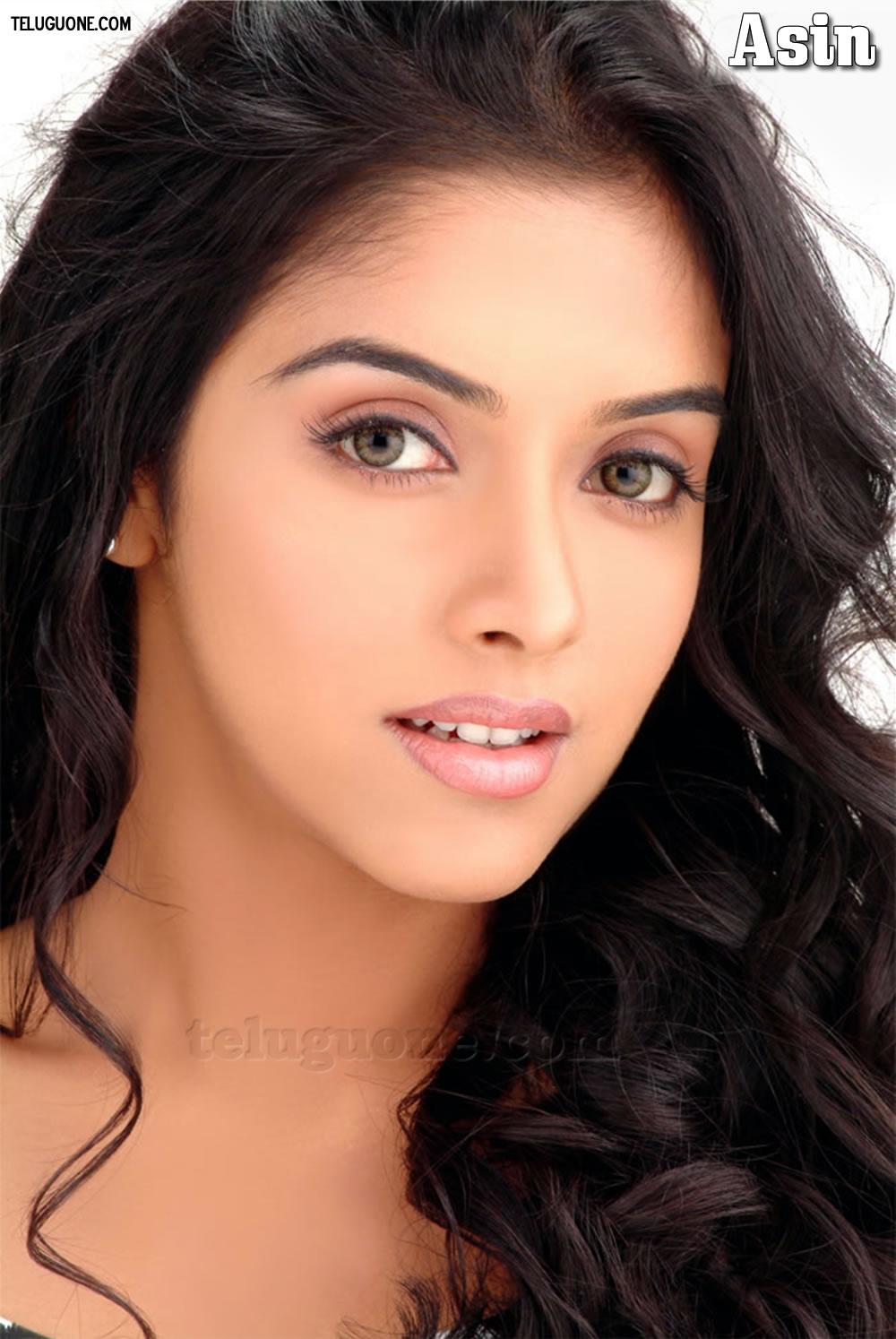 South Indian Actress Stills,Wallpapers: ASIN HOT STILLS