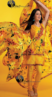 Gul+Ahmed+Stylish+Design+www.She9.blogspot.com+%284%29 More v neck and round neck shalwar kameez styles from Gul Ahmad