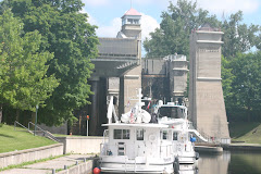 Awaiting our turn to enter the Peterborough Lift Lock