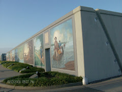 Paducah, KY mural that becomes a levee when the river rises