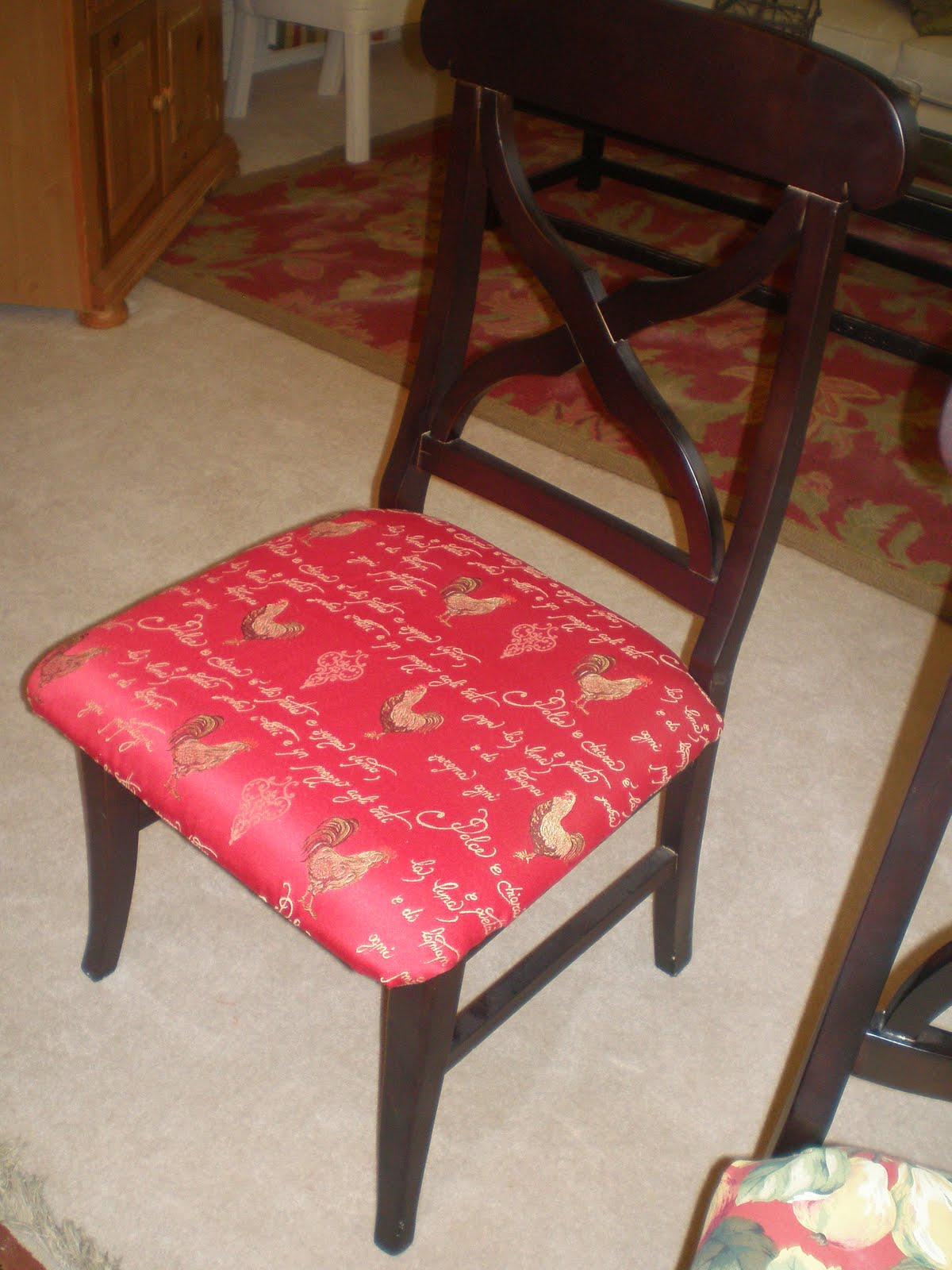 How to recover dining room chair seat using staple gun