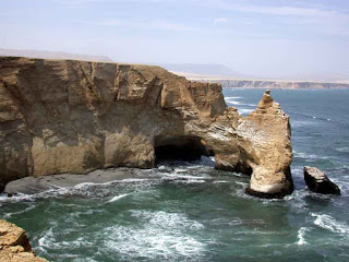 Etretat gite la grotte dans la falaise