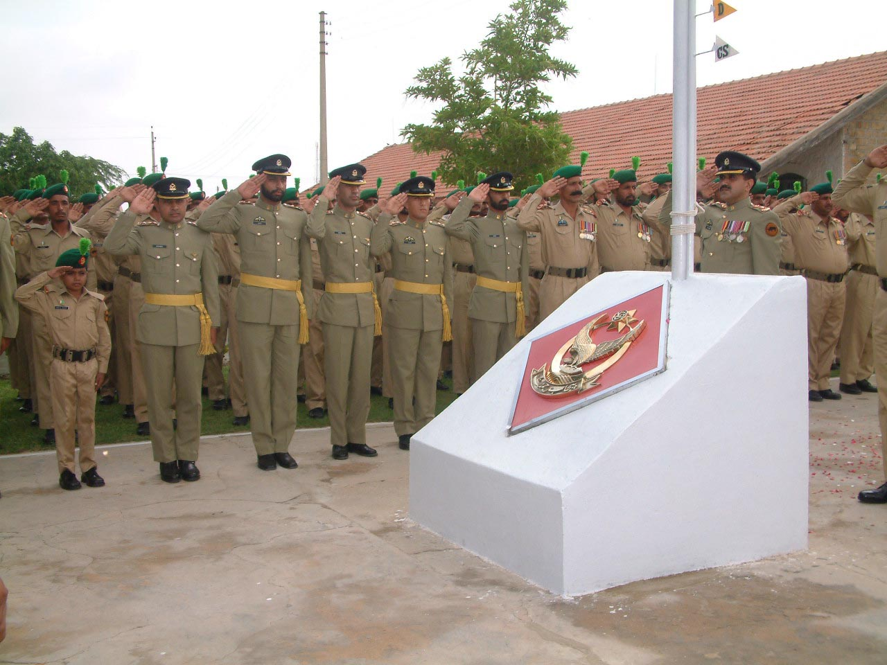 Basit put on the uniform of professional sol dier of pakistan army