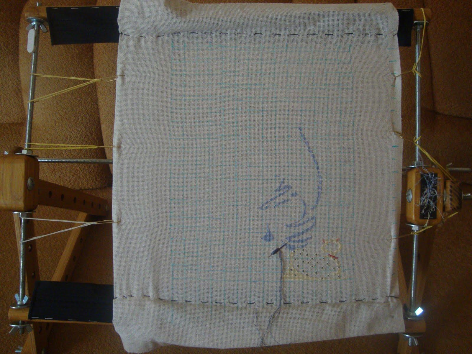 Как закрепить полотно для вышивки в станке 42