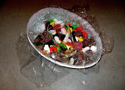 Glas hittat i påskägg.
