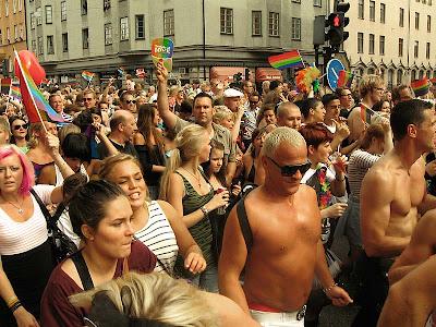 Det här är den okokta bilden från prideparaden.