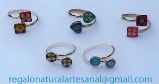 anillo de plata ajustable con flores naturales