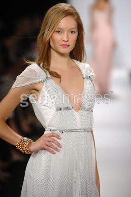 badgleymischka4 NY Fashion Week Nail Watch   Badgley Mischka