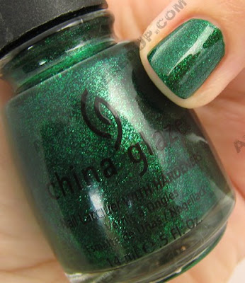 china glaze, green, nail polish, nail lacquer, nail color, trends, emerald sparkle, holiday 2008