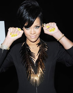 rihanna, yellow nails, smiley face nails