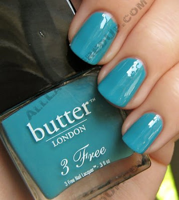butter london artful dodger 2 free nail polish Get The Look   Miley Cyrus Nails at the MTV Movie Awards
