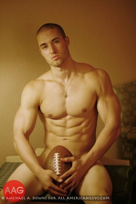 Hot boy châu âu,cơ bắp rắn chắc - chụp hình rất sexy Jonathan4