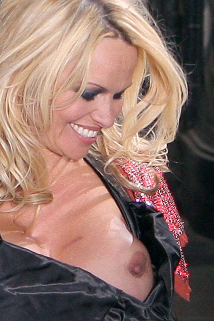 [Pamela+Anderson+Nipples+Need+Your+Attention+www.GutterUncensored.com+pamela-anderson-nipple-07.jpg]