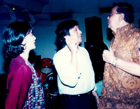 "Menteri Pariwisata Yoop Ave, Ikang Fawzi & Marissa Haque untuk ""Musicafe"" Medan"