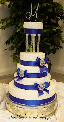 Shockley\'s Sweet Shoppe: Royal Blue & Silver with Clear Pillars