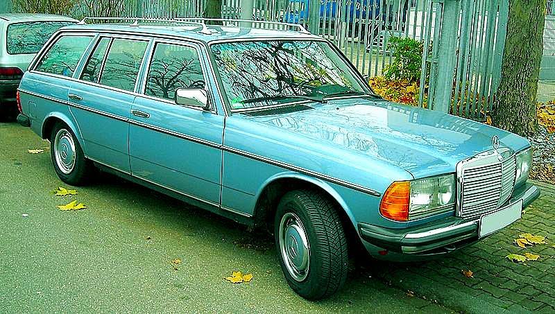 [SUZUKI  800px-Mercedes-Benz_W123_T-Modell_front_20081201.jpg]