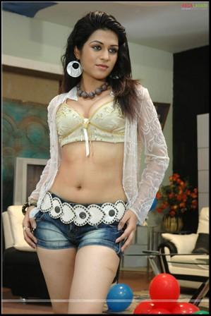 , Shraddha Das Hot Photo Gallery