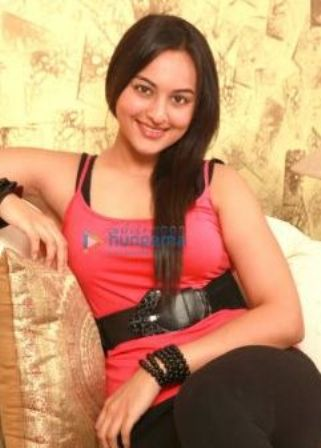 Dabangg Actress Sonakshi Sinha Hot Photos