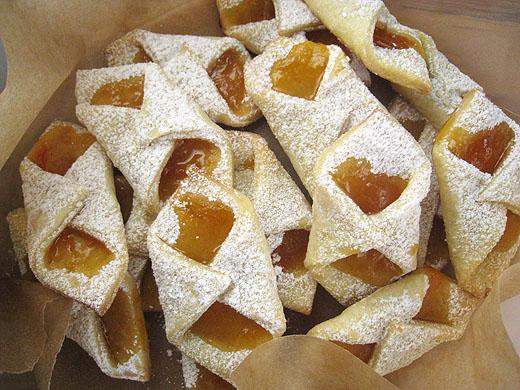 carolynn's recipe box: Kolaches (a.k.a. Hungarian Bow Ties)