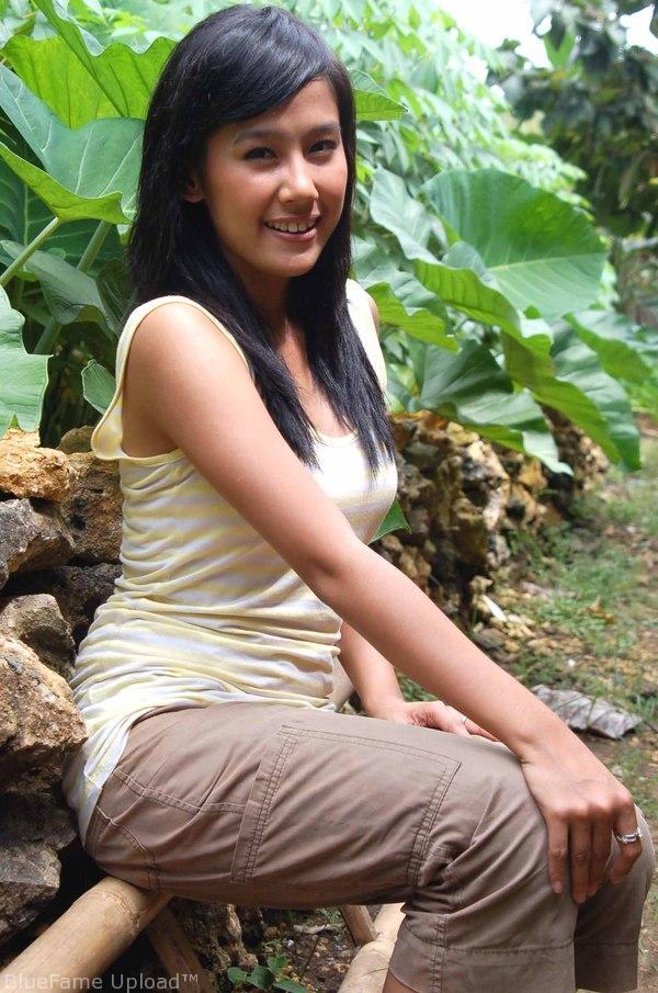 Ardina Rasti - Images Actress