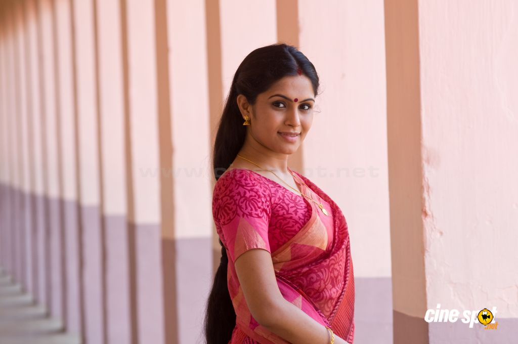 Malayalam Film Best Actor Actress Shruthi Ramakrishnan Sona Hot