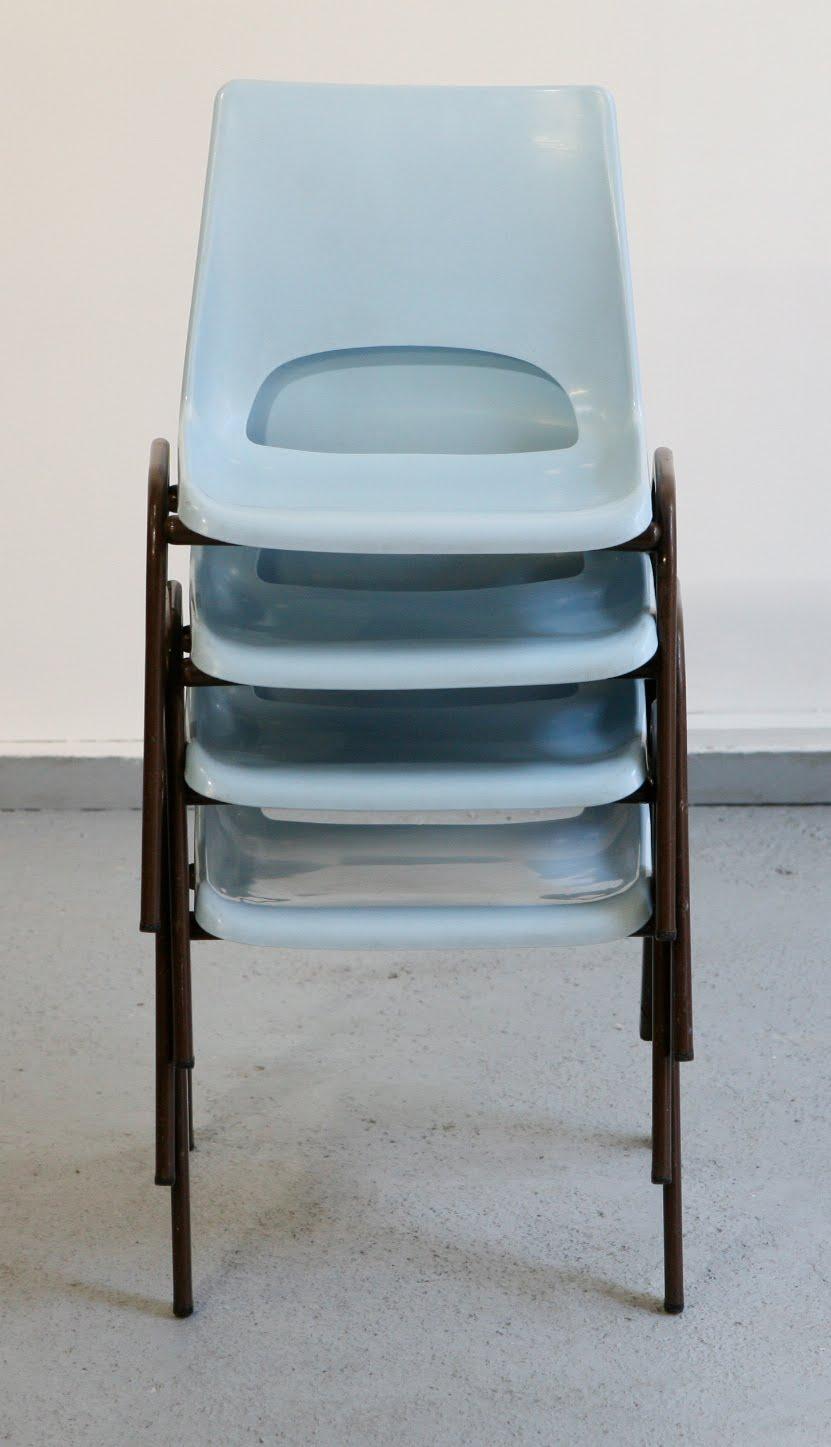 Baos lot de 4 chaises colier vintage coque plastique ann es 70 - Chaise de couleur en plastique ...