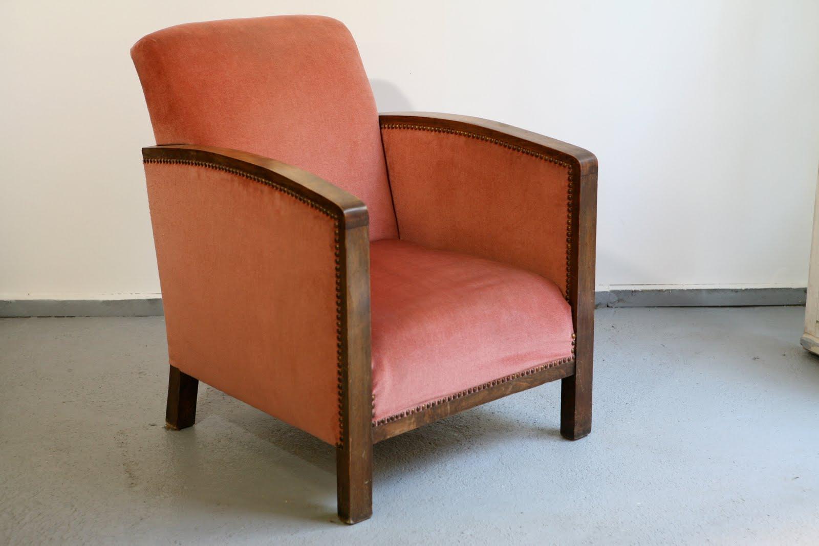 Baos fauteuil club art d co en velours rose for Fauteuil club art deco