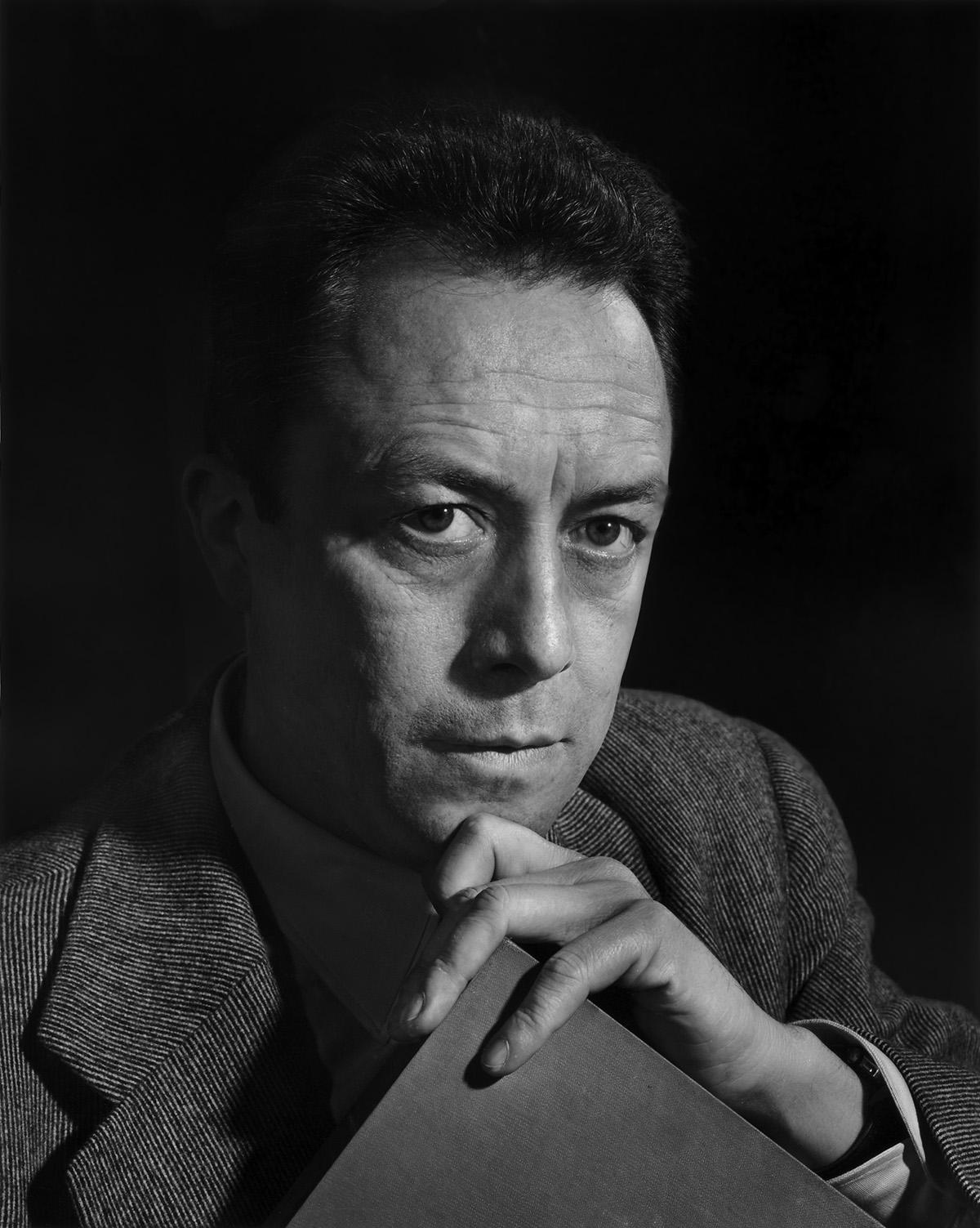 Camus in het panth on - Omhullen een froid rouge ...