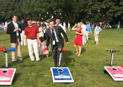 Jimmy Fallon playing cornhole on the South Lawn, Fourth of July 2009