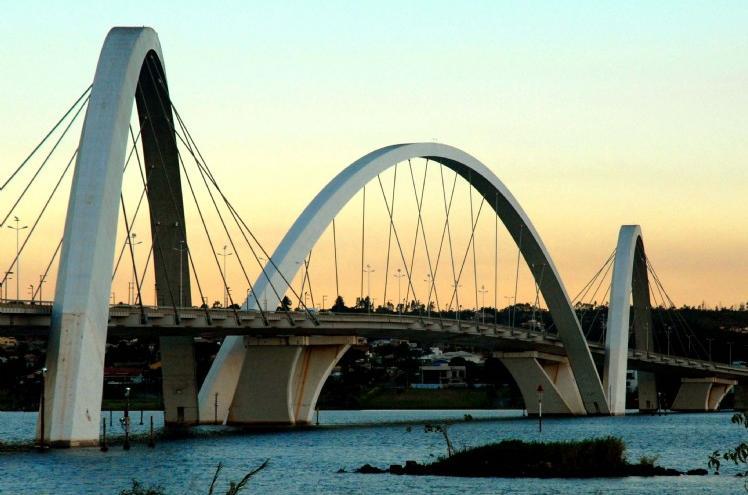 http://3.bp.blogspot.com/_8KcrxyOqTrQ/TAExhXTW7yI/AAAAAAAAAG8/nvnH2Ywll6c/s1600/ponte-jk-monika-peixoto.jpg