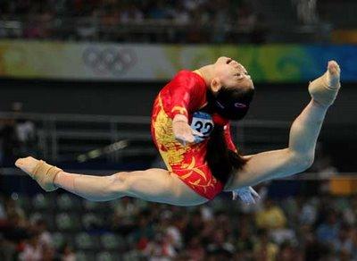 http://3.bp.blogspot.com/_8Kw5gDj7wdk/S8MhJyLeG5I/AAAAAAAAABw/6yHoVV5Xp1Q/s1600/gymnastics%2Bgirls.jpg