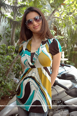 HOT ACTRESS  GAURI PANDIT  PICTURES