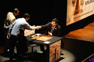 World Chess Championship : 7th Game