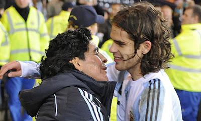 Diego Maradona and Fernando Gago