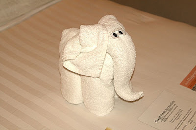 animal towel sculptures – towel folding origami
