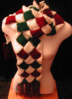 Christmas Scarf with diamonds of red and green