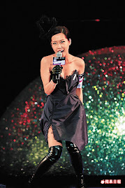 Singer Jade Kwan(關心妍) in Dejavu corset dress