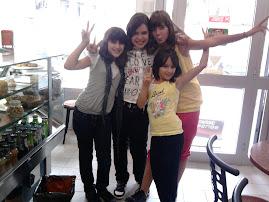 Eu, a Cátia, a Maguie e a Eliana