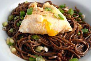 Dishing Up Delights: Sesame-Garlic Soba Noodles with a Fried Egg