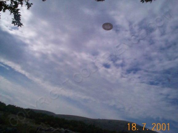 [UFO-July-18-2001-Colde-Vance-France-ovni.jpg]