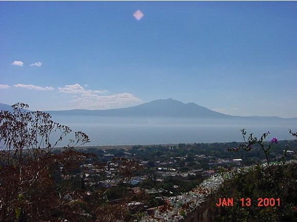 [UFO-January-13-2001-Lake-Chapala-Ajijic-Mexico-ovni.jpg]