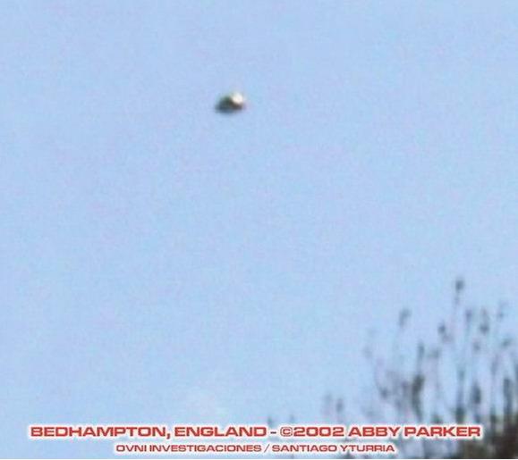 [UFO-2002-Bedhampton-England-United-Kingdom-UK.jpg]