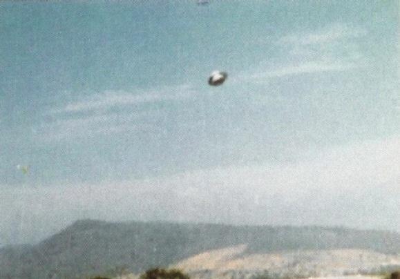 [UFO-February-16-1994-Guadalajara-Jalisco-Mexico-ovni.jpg]