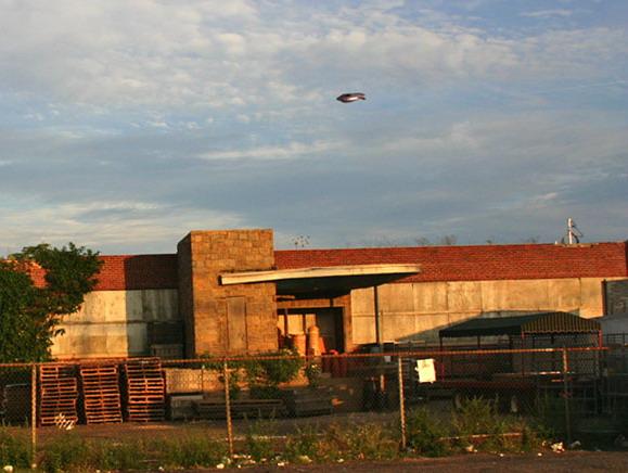 [UFO-August-2005-Jersey-City-NJ-USA.jpg]