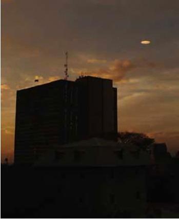 [UFO-March-31-2006-San-Jose-Costa-Rica-ovni.jpg]