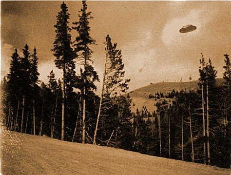 [1927-Cave-Junction-Oregon-UFO.jpg]