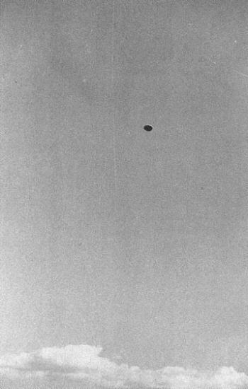 [1952-July-18-Lac-Chauvet-France-ovni-1-UFO.jpg]